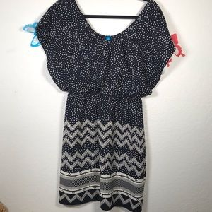 Buttons Dress Size S batwings w tank cover under